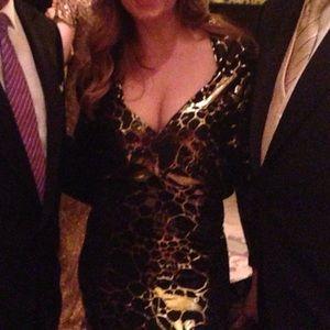 Gorgeous sz M black/ gold foil long evening dress
